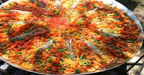 cuisiner une paella recette pour une paella géante espagne facile
