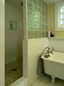 Paroi Douche Baignoire : mettons des briques de verre dans la salle de bains ~ Farleysfitness.com Idées de Décoration