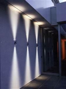Fassadenbeleuchtung Außen Led : fassaden wand leuchten in led technik ~ Markanthonyermac.com Haus und Dekorationen