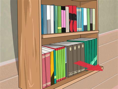 How To Declutter A Bookshelf