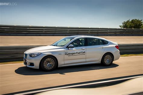 Bmw Hydrogen Fuel Cell by Driving A Bmw Prototype With Hydrogen Fuel Cells