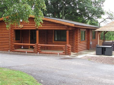 Log Cabins In Northumberland With Tubs by Luxury Real Log Cabin With Tub Felmoor Park