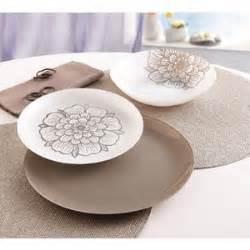 service a vaisselle carrefour service de table luminarc pas cher