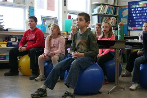 replacing classroom chairs with stability balls helps