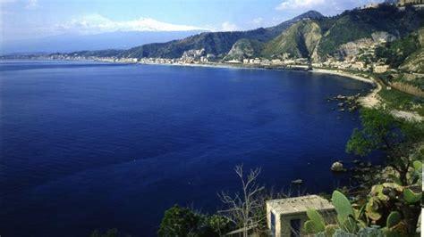 trivago giardini naxos 10 mete al mare low cost in europa