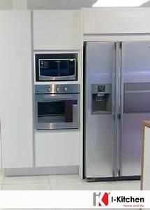 hermosa, cocina, con, empotrado, de, nevera, , horno, y, microondas