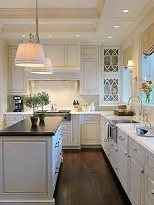 White kitchen countertops and cabinets ideas founterior for Kitchen cabinet trends 2018 combined with webcam cover sticker