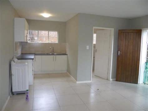 bedroom flat  rent  vincent heights east london