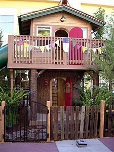 Outdoor Spielzeug Für Kleinkinder : awesome two story playhouses kidspace stuff series ~ Eleganceandgraceweddings.com Haus und Dekorationen