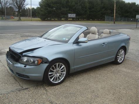 lightly damaged  volvo  convertible rebuildable
