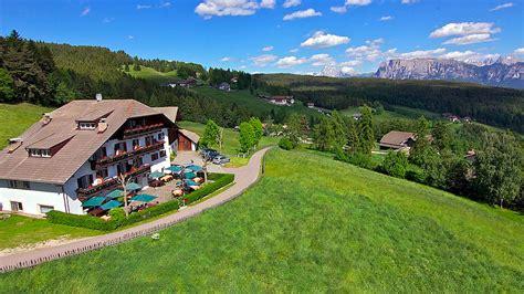hotel avec chambre familiale dolomites hôtel ploerr auberge tyrol du sud italie