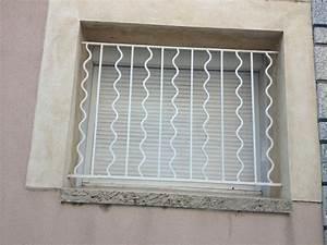 Grilles de protection de fenetre gardanne metal concept for Grille de protection pour porte fenetre