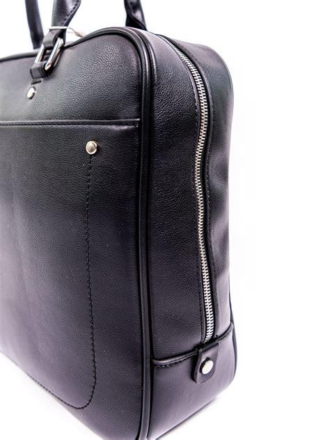 Melns ādas portfelis / Drēbjotava