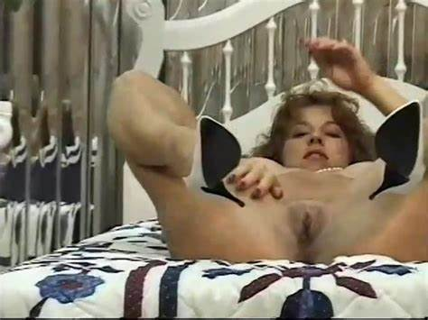 Retro Solo Braids Lesbians Pissing Hotties Spreads Their Pussies