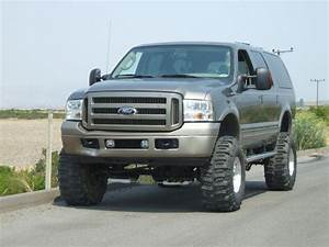 2005 Lifted Diesel Excursion