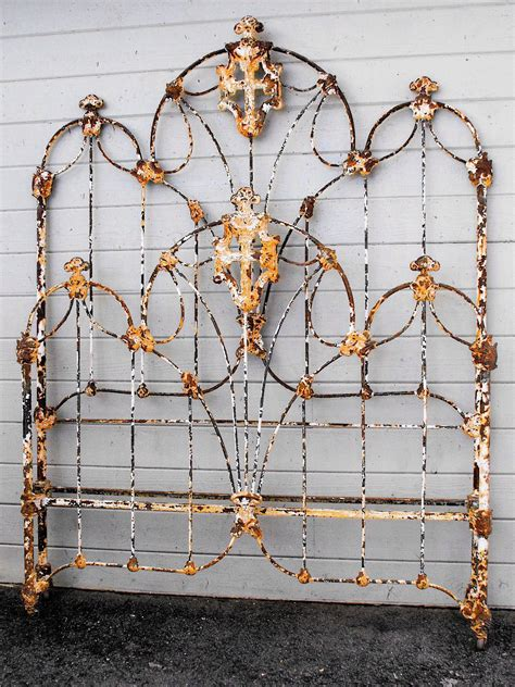 Vintage Iron Bed by Antique Iron Beds Antique Iron Bed 2 Mind Palace In