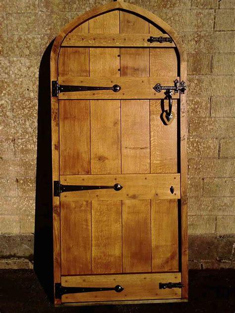 traditional carpentry joinery oak doors bespoke windows sliding sash windows sash window