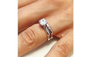 buyers guide should i wear my engagement ring on my