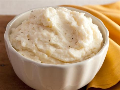 garlic mashed potatoes creamy garlic mashed potatoes recipe alton brown food network