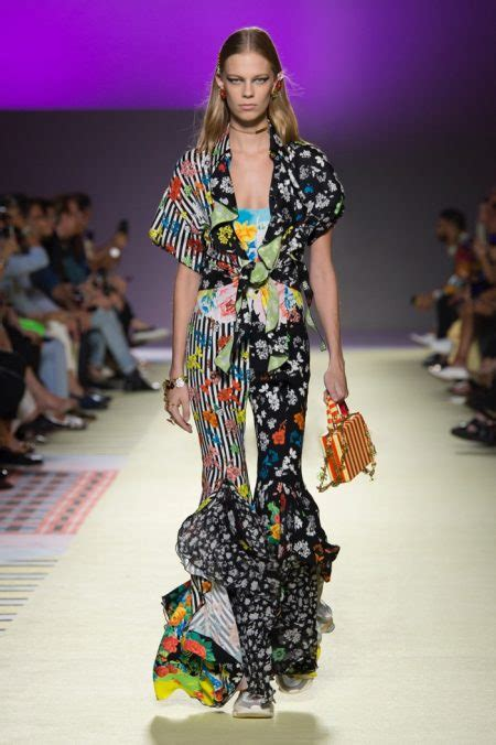 versace spring summer runway fashion rogue