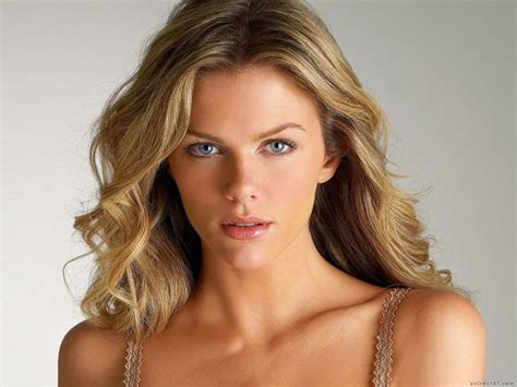 Victoria's Secret Models Brooklyn Decker, Sports