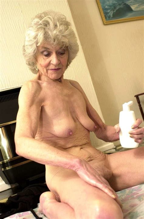 Extremely Old Granny Creaming Her Aged Mature Cunt After