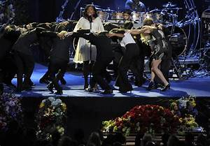 Jennifer Hudson in Memorial Service For Michael Jackson ...