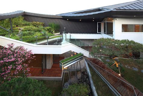 modern house in korea culturally modern ga on jai residence in south korea by iroje khm architects wave avenue