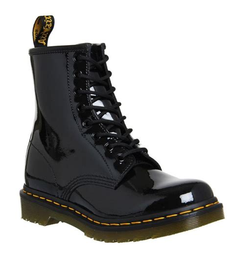 wear  martens boots   perfect outfits   wear uk
