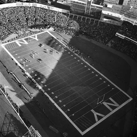 Yankee Stadium | Nfl stadiums, Ny giants football, New ...
