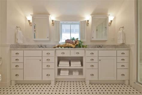 New England Style Bathroom. Heritage Bathrooms. Coastal