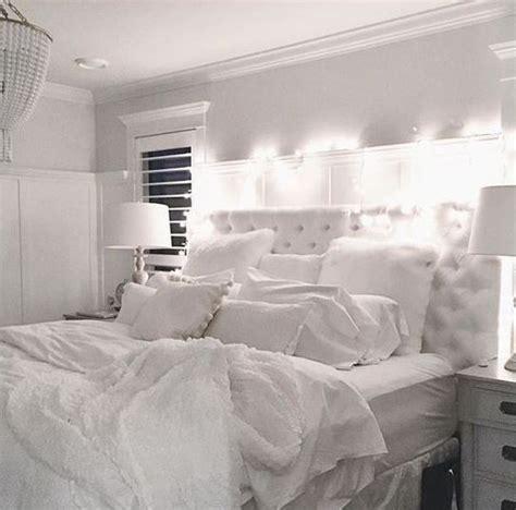 ways    bedroom cozy  warm apartment