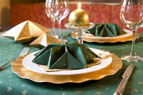 weihnachtsdeko grün gold tischdekoration stella green mustertisch