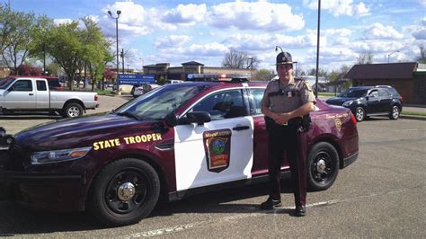 Minnesota State Trooper helps deliver baby by the ...