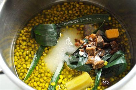 Karena sedari kecil, kita sudah dikenalkan degan kacang hijau. Resep Bubur Kacang Hijau dengan Metode 5-30-7. Tetap Empuk Tanpa Perlu Direndam Semalaman