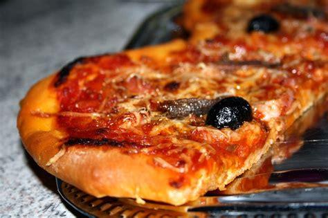 la pate de pizza italienne p 226 te 224 pizza maison 224 la farine italienne autour de ma table