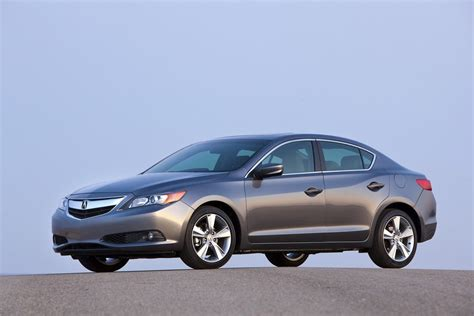 2013 Acura Ilx Horsepower by 2014 Acura Ilx Gets More Features And A 1 000 Price Hike