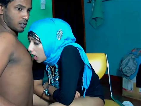 Lewd Srilankan Couple Stripteases And Gets Ready For