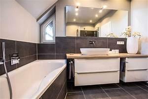Badezimmer Grau Weiß : badezimmer braun grau von tolle garten umbau ~ Markanthonyermac.com Haus und Dekorationen