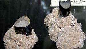 Камень является хорошим средством от болезней печени