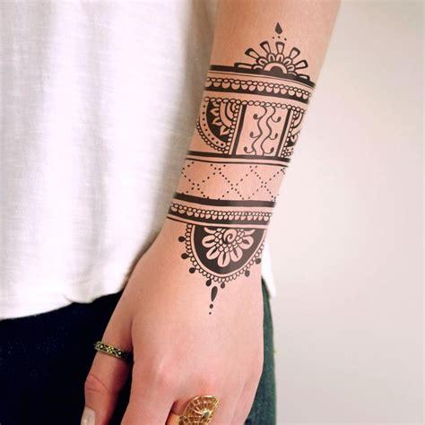 henna inspired temporary tattoo tatshenna
