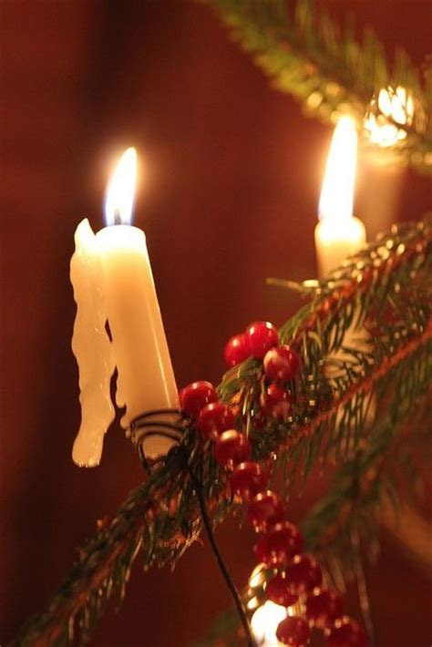 danes traditionally light the christmas tree with real
