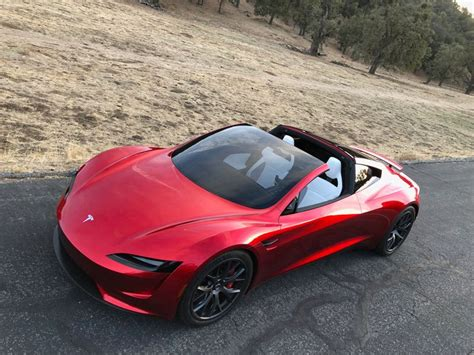 The Specs For Tesla's New Roadster Are Bananas «twistedsifter