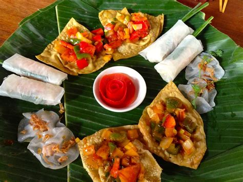 cuisine tours hoi an shopping and dining tips forage