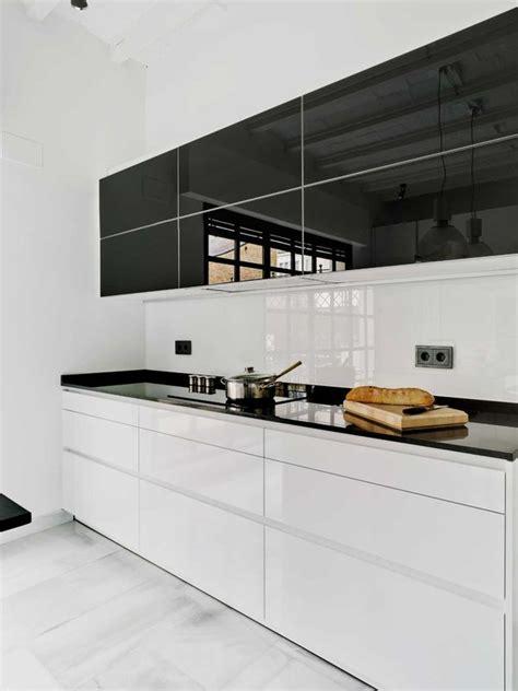 black white  una cocina muy moderna nuevo estilo