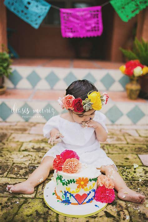 cake smash mexican floral themed iliasis muniz photography