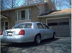 330Boyz 1998 Lincoln Town CarSignature Sedan 4D Specs