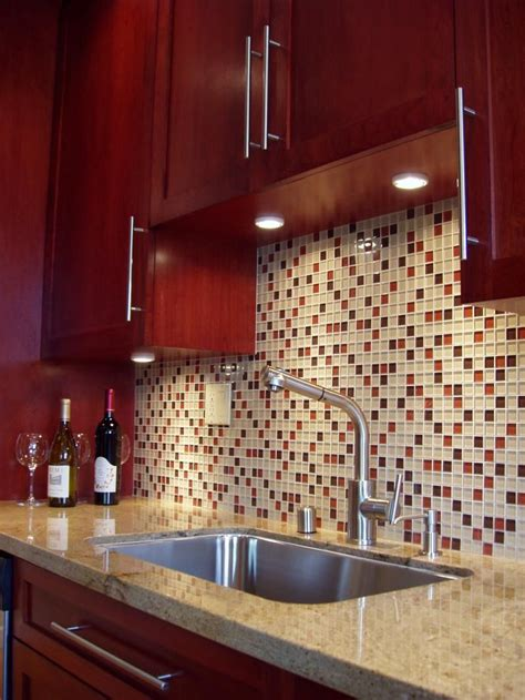 Kitchen tile ideas and designs for the heart of your home. Backsplash for Red Kitchen Cabinets 2021 - homeaccessgrant.com