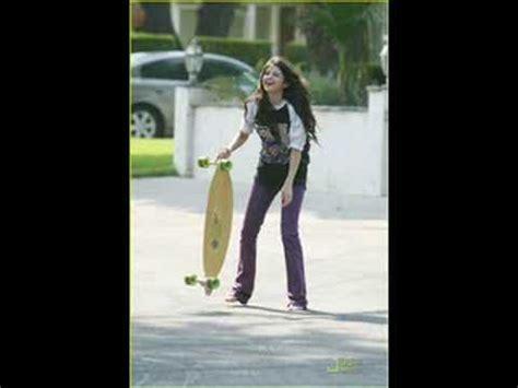 selena gomez niere selena gomez skateboarding