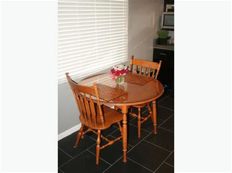 reduced beautiful roxton maple dining room table and